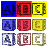Alfabetkuber med A, B, c-bokstäver Arkivbild