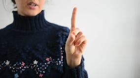 Alfabeto americano nel linguaggio dei segni stock footage