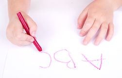 Alfabeto da escrita da criança da idade de Prechool Fotos de Stock Royalty Free