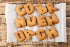 Alfabeto del biscotto sulla griglia, Immagine Stock