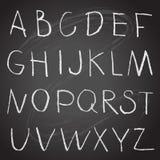 Alfabeto del disegno della mano del gesso su una lavagna Fotografia Stock Libera da Diritti
