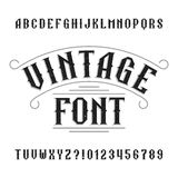 Alfabeto do vintage Letras afligidas retros e números ilustração do vetor
