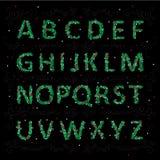 Alfabeto inglese di Natale sotto forma di aghi di un albero di Natale con i giocattoli Fotografie Stock Libere da Diritti