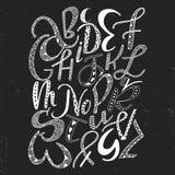 Alfabeto latino disegnato a mano unico con l'ornamento di scarabocchio Fonte comica sveglia nello stile di boho ABC segna il mani illustrazione di stock
