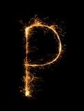 Alfabeto P della luce del fuoco d'artificio della stella filante alla notte Fotografia Stock Libera da Diritti