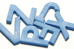 Alfabetos magnéticos plásticos cianos Foto de Stock
