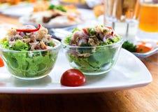 Alface com salada de atum Foto de Stock