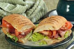 Alface do bacon e rolo do tomate Fotos de Stock