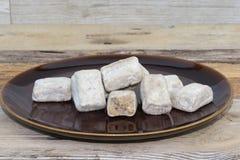 Alfajores faszerował z kawałkami arachidy Fotografia Royalty Free