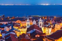 Alfama на ноче, Лиссабоне, Португалии Стоковое Изображение RF