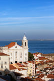 Alfama-Bezirk in der Stadt von Lissabon Stockbild