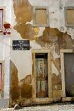 Alfama - det äldsta området av Lissabon Royaltyfria Bilder