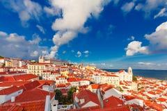 Alfama nachts, Lissabon, Portugal Lizenzfreies Stockfoto