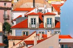 Alfama op een zonnige middag, Lissabon, Portugal royalty-vrije stock afbeeldingen