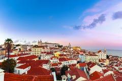 Alfama przy nocą, Lisbon, Portugalia Zdjęcia Stock