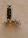 Alfazema pela janela do ferro forjado Imagem de Stock Royalty Free