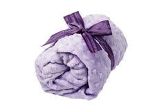 Alfazema, rolada acima da toalha, cobertor, fita roxa Imagem de Stock