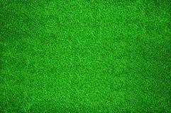 Alfombra de la hierba artificial verde Fotos de archivo libres de regalías