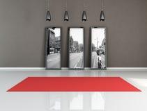 Alfombra roja en un cuarto blanco y negro Foto de archivo libre de regalías