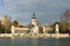 Alfonso-Denkmal in Madrid Stockfotos