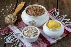 Alforfón, harina de avena, cebada, maíz fotografía de archivo