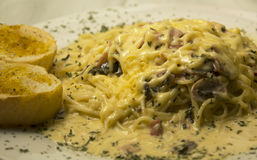 Alfredo Spaghetti Imagens de Stock Royalty Free