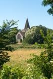 ALFRISTON, SUSSEX/UK - 23. JULI: Ansicht von St- Andrew` s Kirche in A lizenzfreies stockfoto