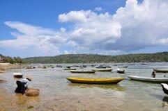 A alga coloca, campo de exploração agrícola na ilha, Indonésia fotos de stock royalty free