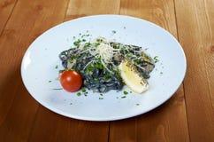 Al Nero di Seppia спагетти стоковое изображение