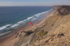 algarve海滩海岸葡萄牙视图 免版税库存照片