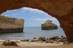algarve海滩洞 免版税库存图片