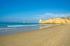 algarve strand portugal royaltyfri bild