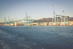 ALGECIRAS, SPANJE - MEI 1.2013: Containerterminal in industr Royalty-vrije Stock Fotografie