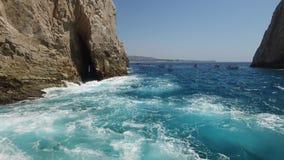 Algemeen met beweging aan het overzees en de boog van Cabos stock videobeelden