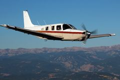 Algemene Luchtvaart - Piper Saratoga Aircraft Royalty-vrije Stock Foto's