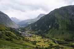 Algemene mening van bonneval-sur-Boog commune in de afdeling van Savoie in Frankrijk stock afbeelding