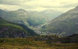 Algemene mening van de commune van Val D ` Isere van de Tarentaise-Vallei in Frankrijk royalty-vrije stock afbeeldingen