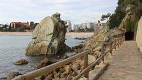 Algemene mening van Lloret de Mar op de strandboulevard stock videobeelden