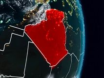 Algerije van ruimte bij nacht stock illustratie