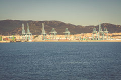 ALGESIRAS, SPANIEN - MAI 1,2013: Containerbahnhof im industr Lizenzfreie Stockfotografie