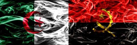 Algieria, algierczyk vs Angola, Angolskie dymne flagi umieszczająca strona strona - obok - Pojęcia i pomysłu flag mieszanka ilustracji