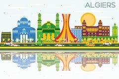 Algiers linia horyzontu z budynkami, niebieskim niebem i odbiciami koloru, Obraz Stock