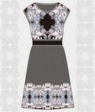 Algodão da tela do vestido do verão das mulheres do esboço, seda, jérsei com teste padrão geométrico floral tirado de paisley mão Imagens de Stock