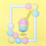 Algodão doce Estilo mínimo brilhante Marshmallows pasteis imagens de stock
