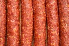 Algum close-up fumado fino das salsichas em seguido fotos de stock