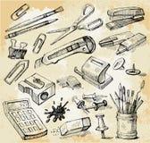 Alguma mão do material do escritório desenhada Fotografia de Stock