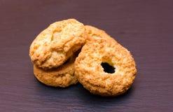 Algumas cookies na ardósia Imagem de Stock