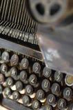 Algumas fontes e chaves da máquina retro da escrita Foto de Stock