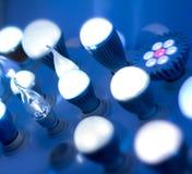 Algunos llevaron ciencia de las lámparas y el fondo ligeros azules de la tecnología Foto de archivo libre de regalías