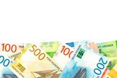 Algunos nuevos billetes de banco de la corona noruega con el espacio de la copia imagen de archivo